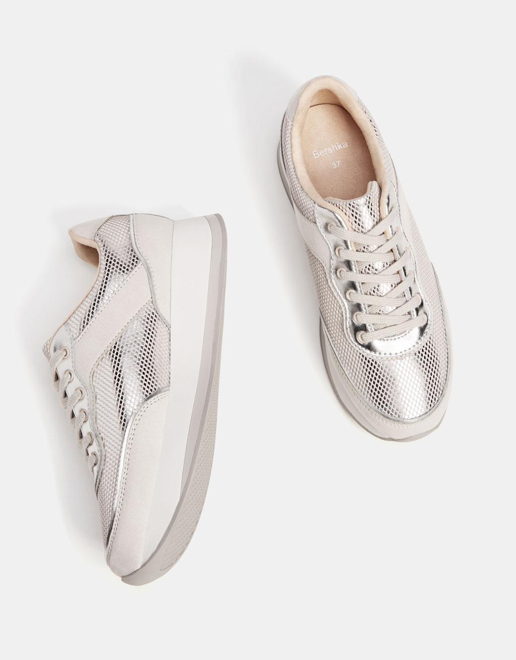 Grey contrasting sneakers