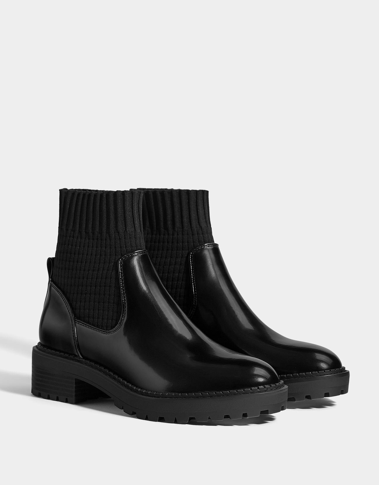 Flache Stiefeletten mit Sock-Boots