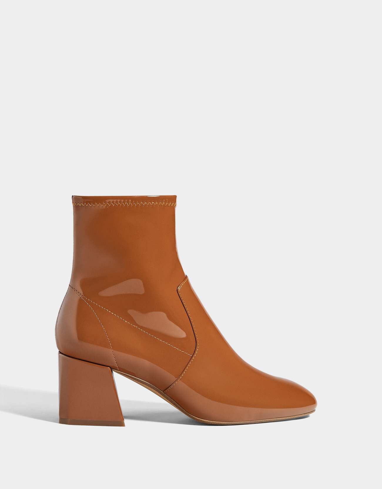 c4c2a28af1f Mid-heel patent finish ankle boots - Boots & Ankle boots - Bershka Bosnia  and Herzegovina