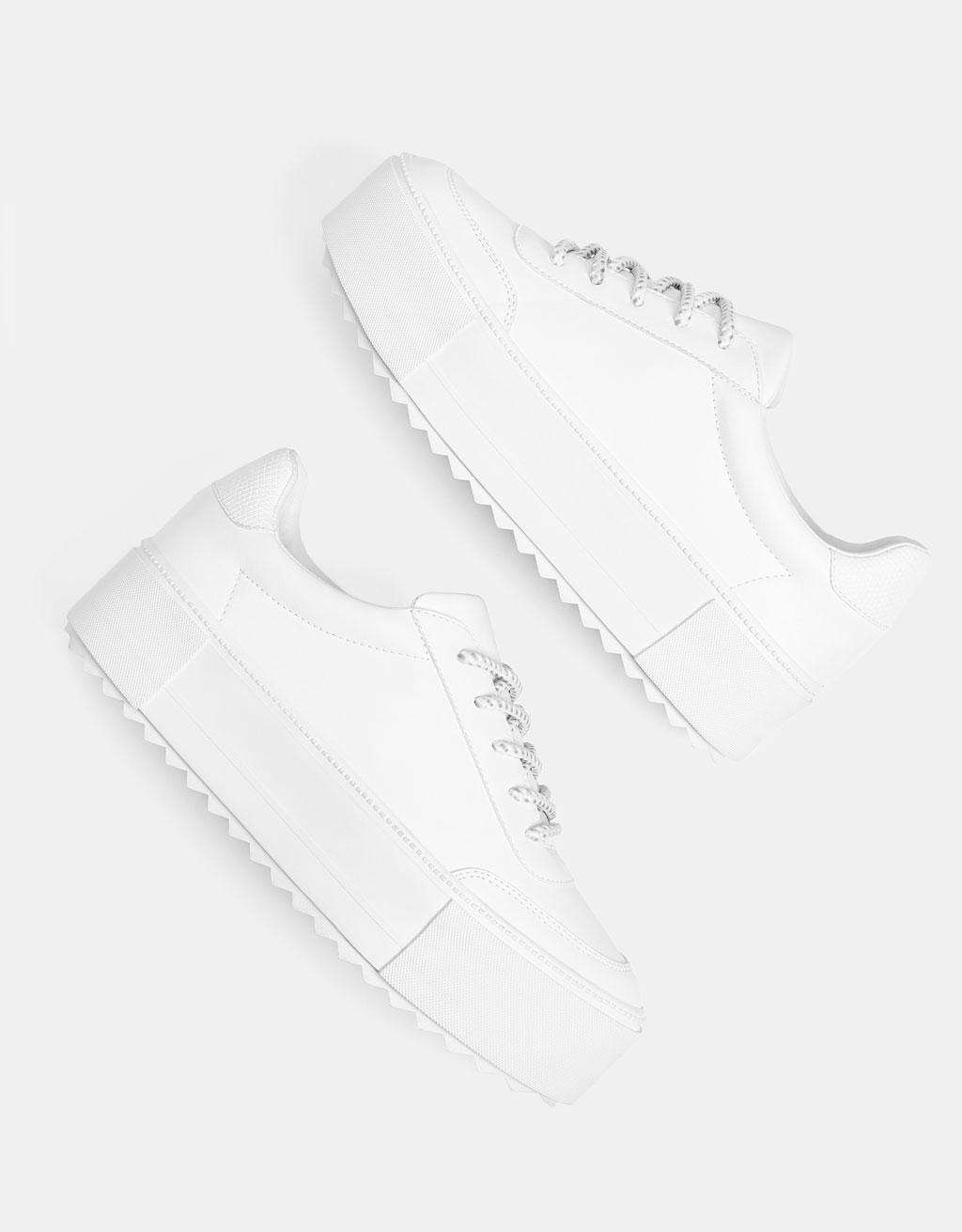 Witte Sneaker Met Plateauzool by Bershka