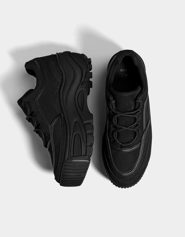 Unifarbener Plateau-Sneaker
