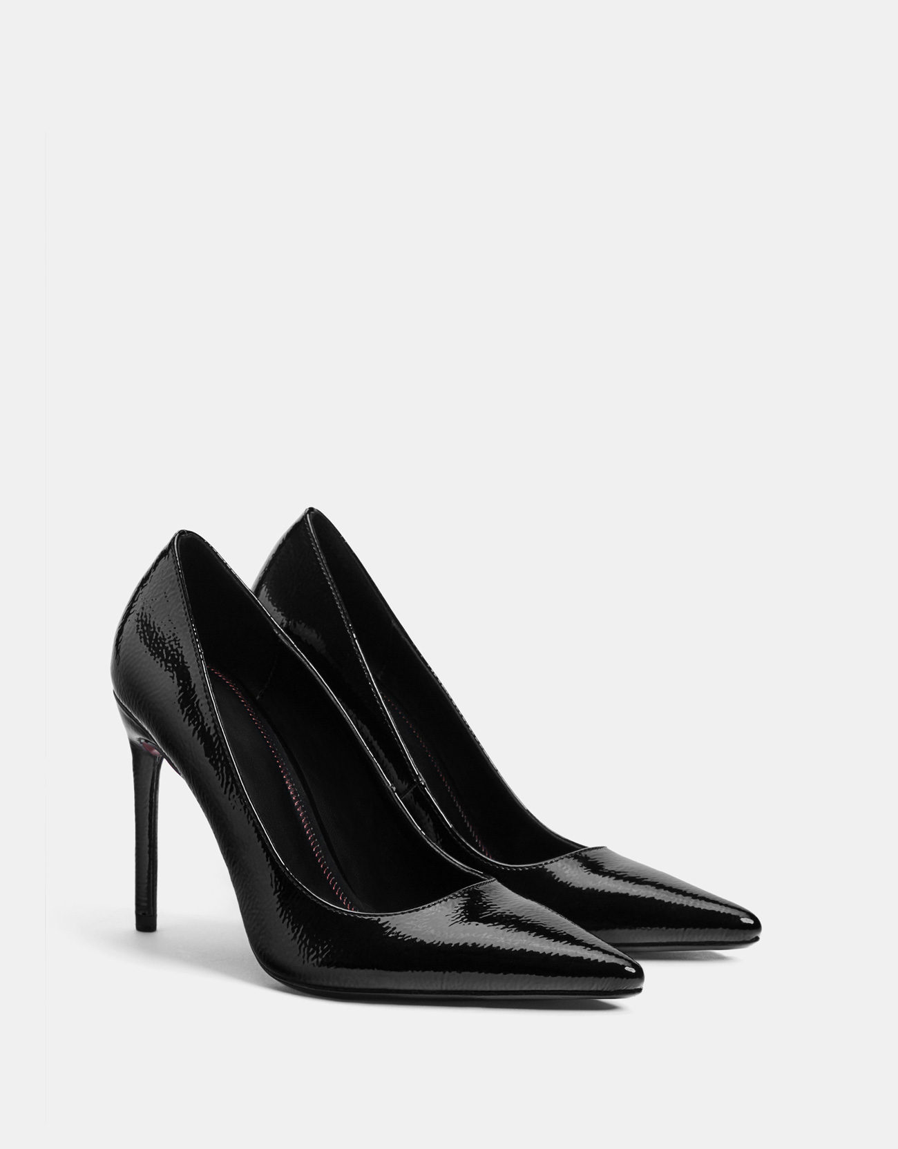 Schuh mit Stilettoabsatz in Lackoptik