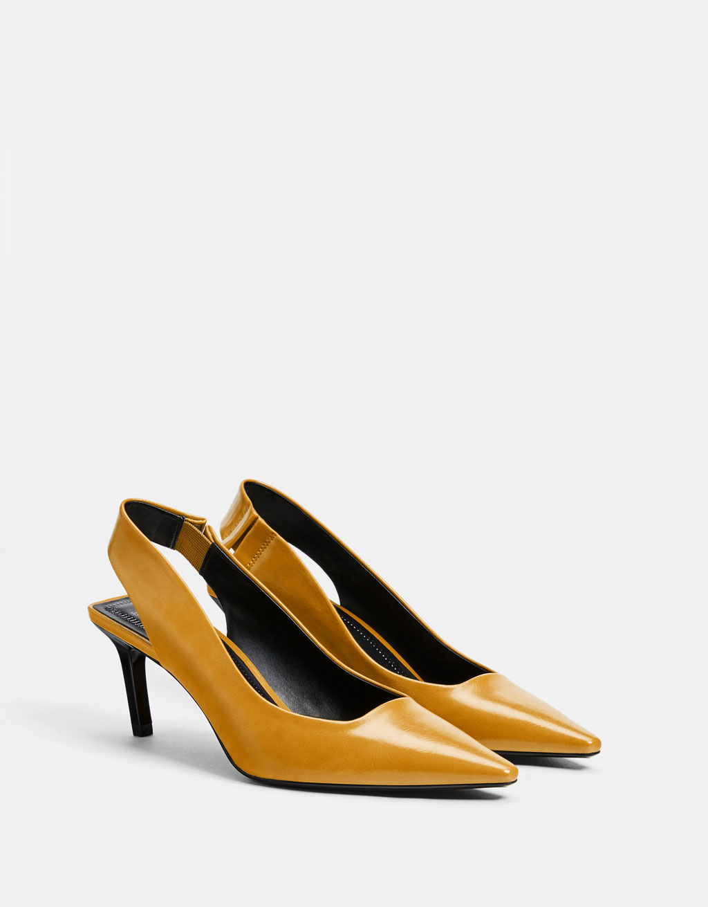 Zapato destalonado tacón medio