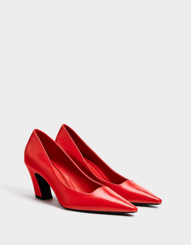 Schuhe mit halbhohem Absatz in Rot