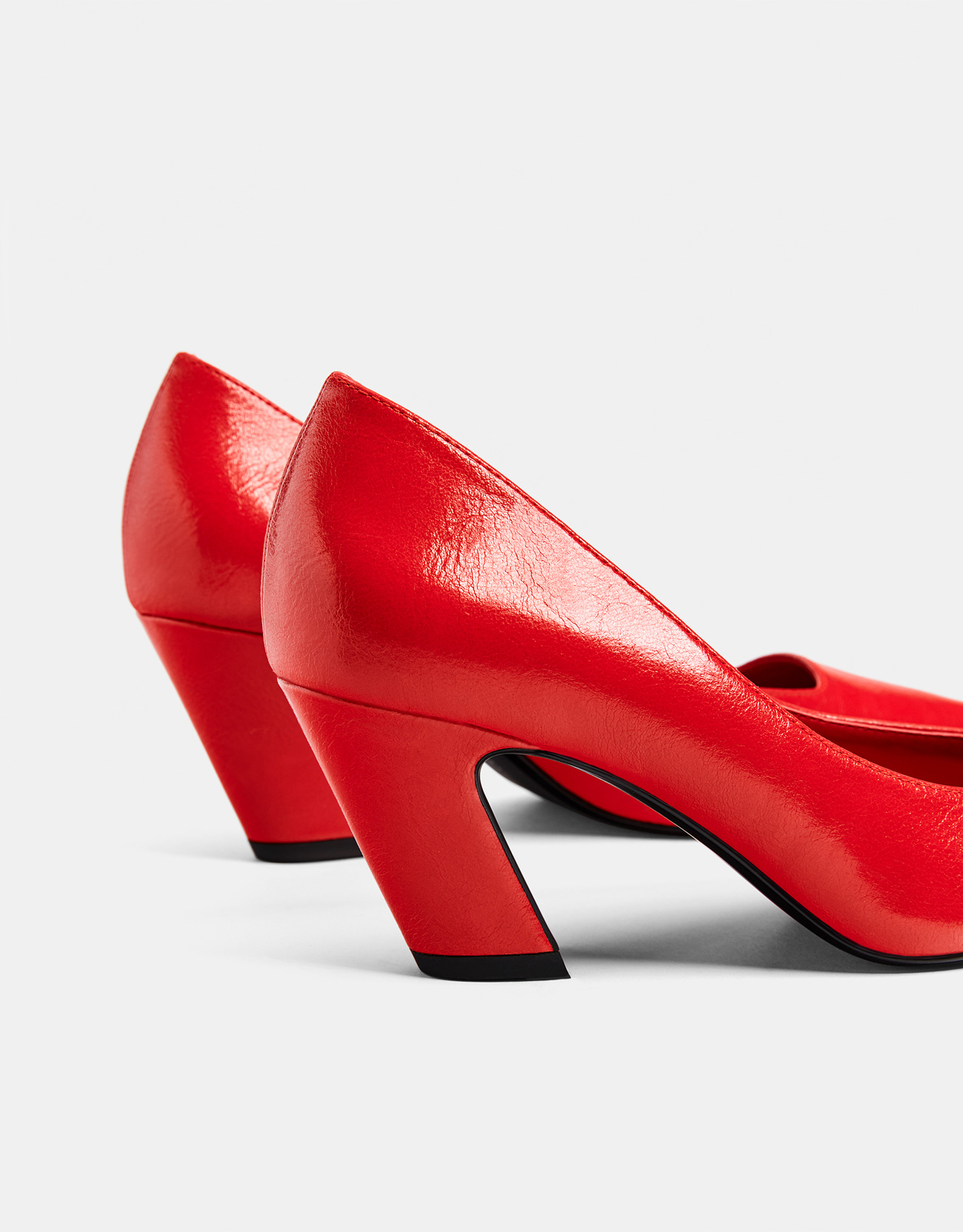 c41fa75cd175 Red mid-heel shoes - Exclusive online - Bershka Armenia