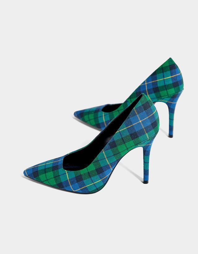 Schuh mit Stilettoabsatz und Karomuster