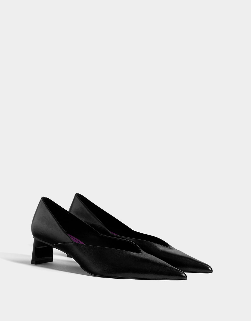 V-vamp mid-heel shoes