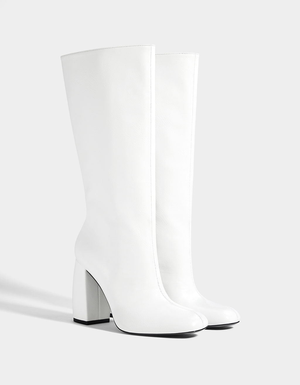 Wide-leg high-heel boots