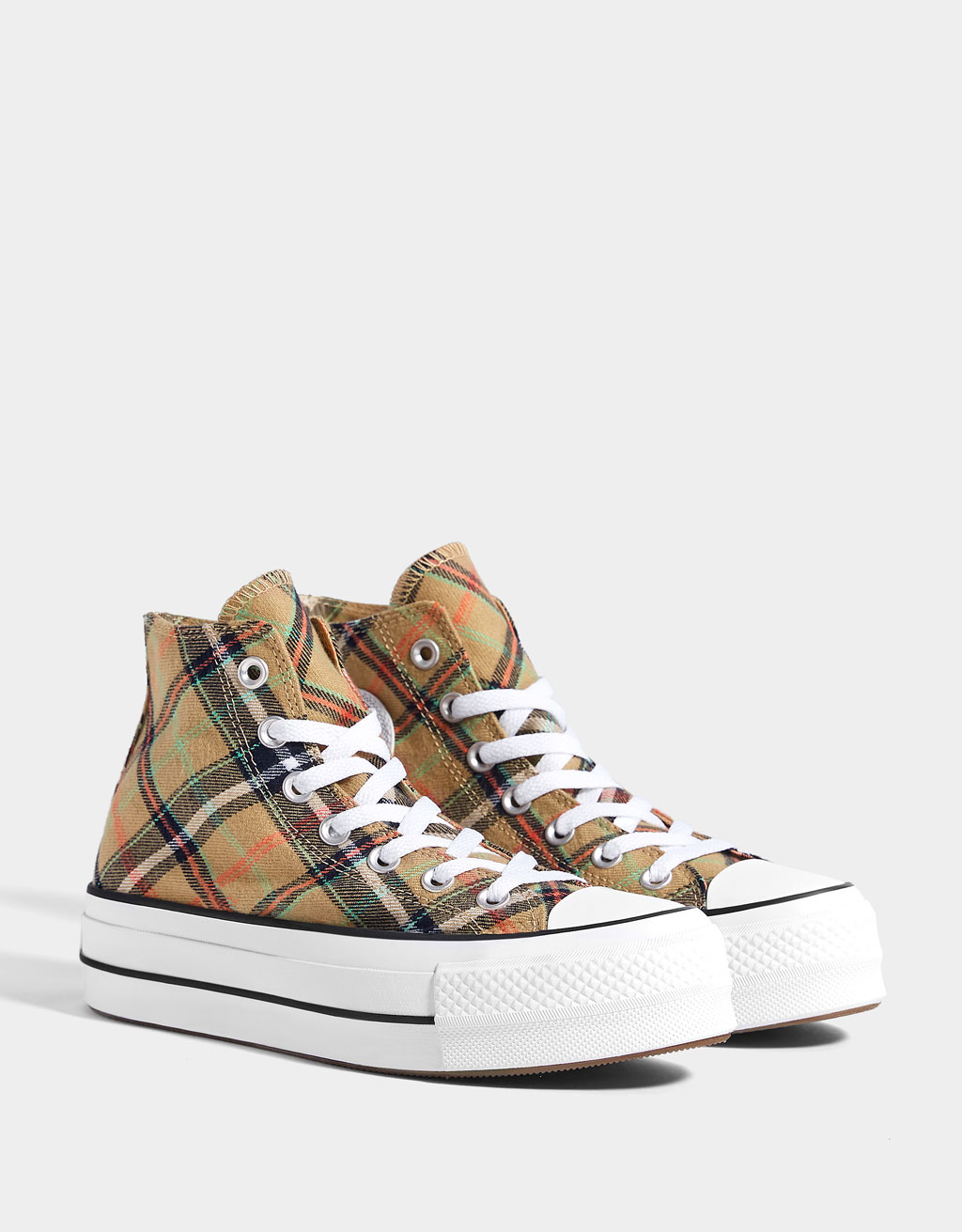 High-top CONVERSE CHUCK TAYLOR ALL STAR sneakers met plateauzool