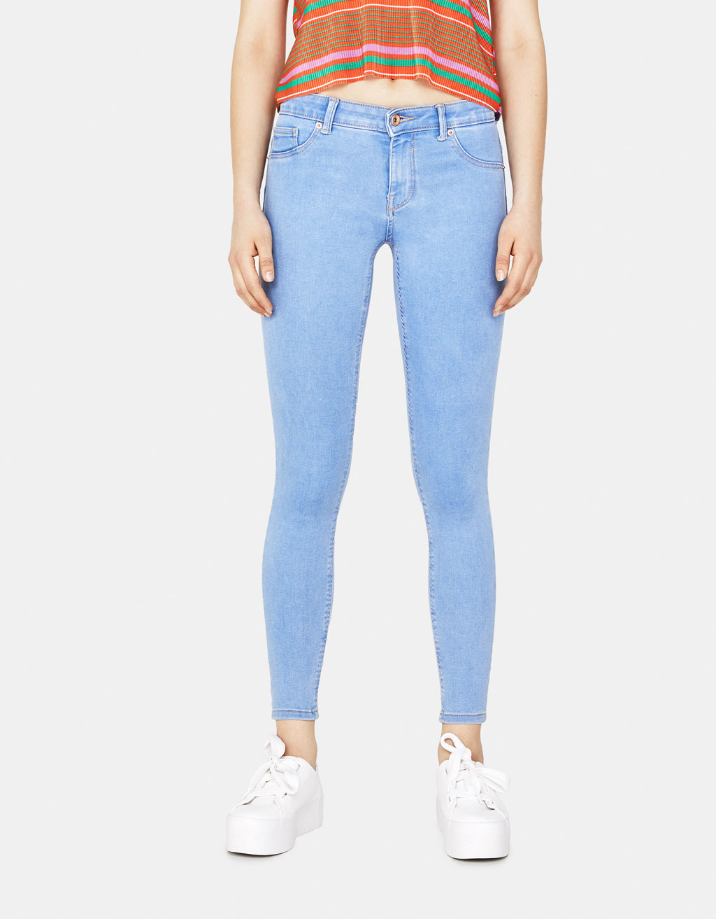 Low-rise push-up stretch jeans