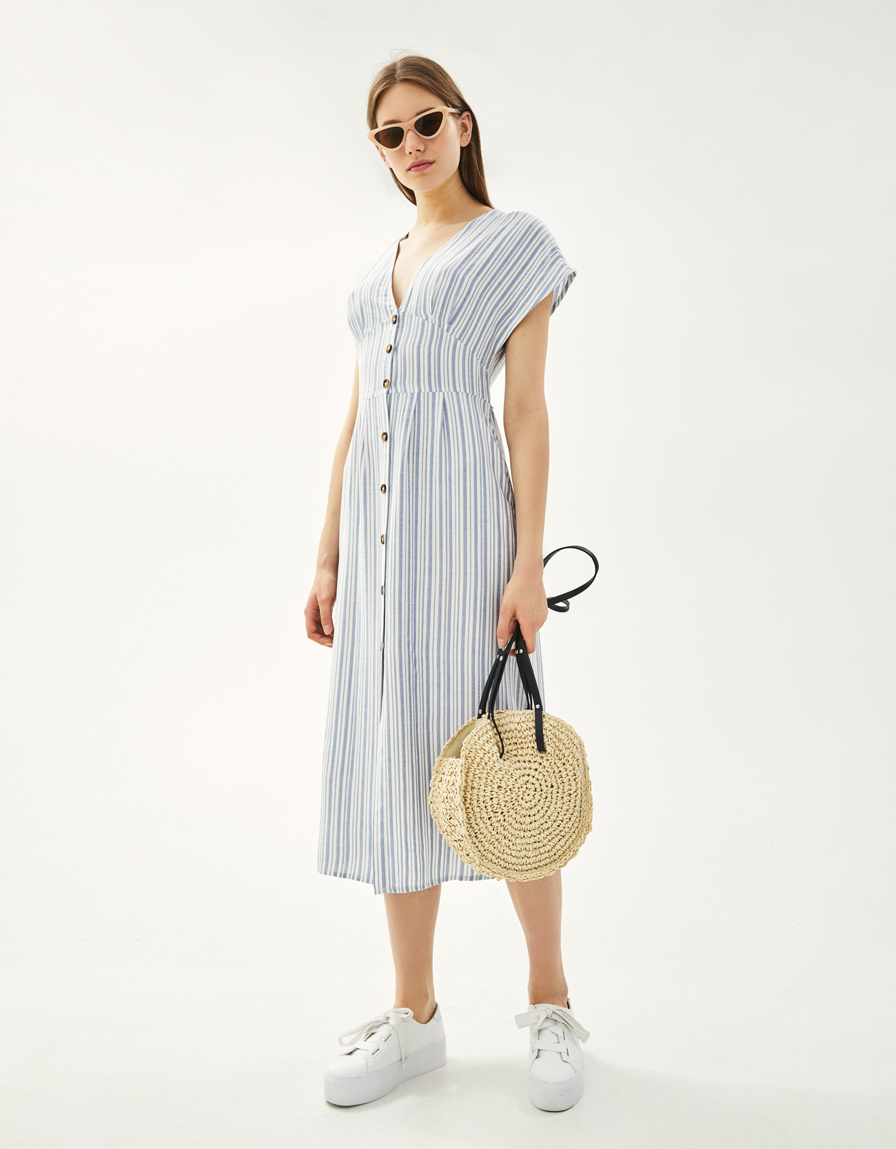 26847d0e565 Striped midi dress with tie - Midi - Bershka Greece