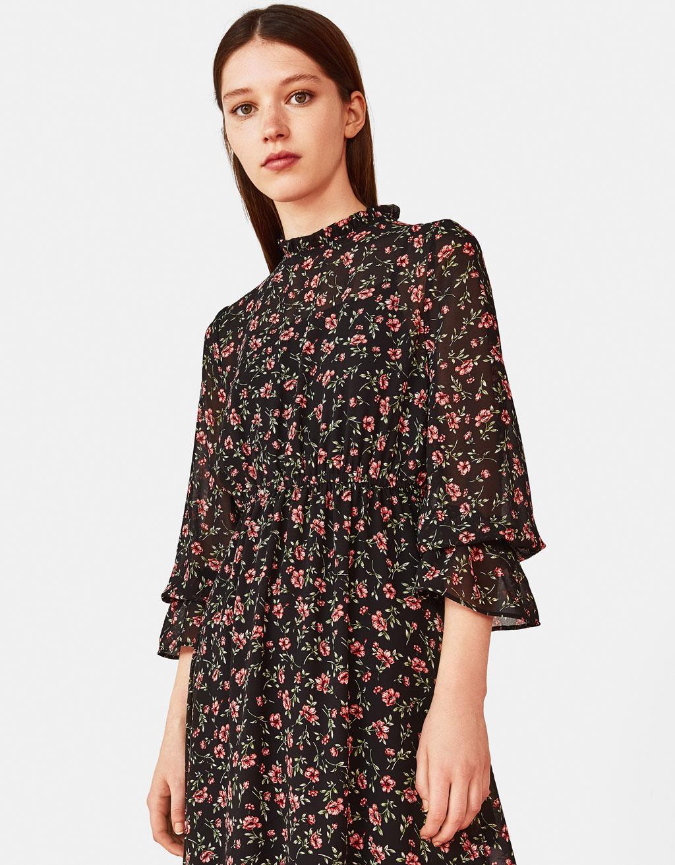 花柄プリント地ロングドレス