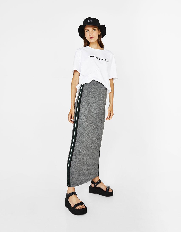 Falda larga con banda lateral