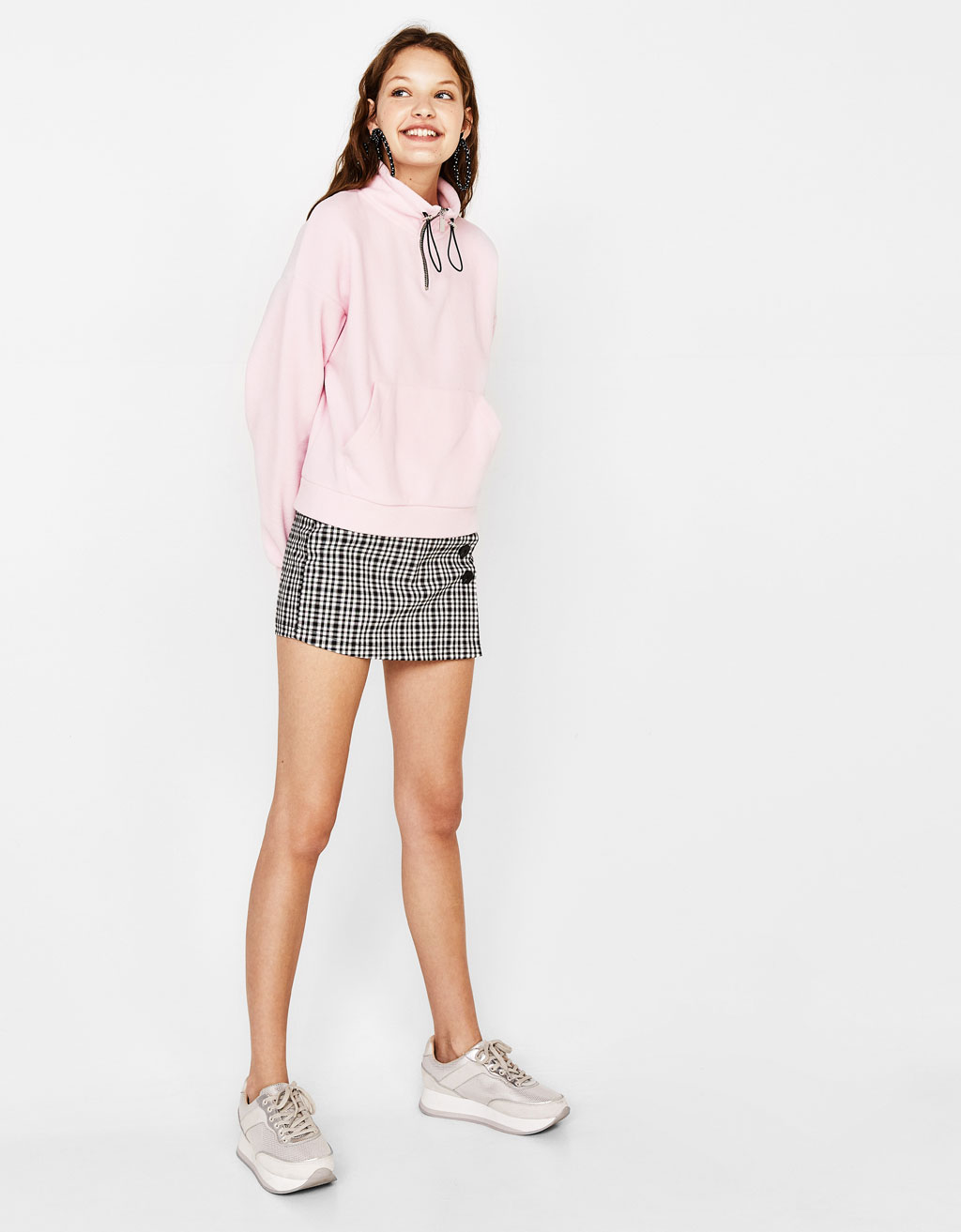 Cropped sweatshirt with pouch pocket