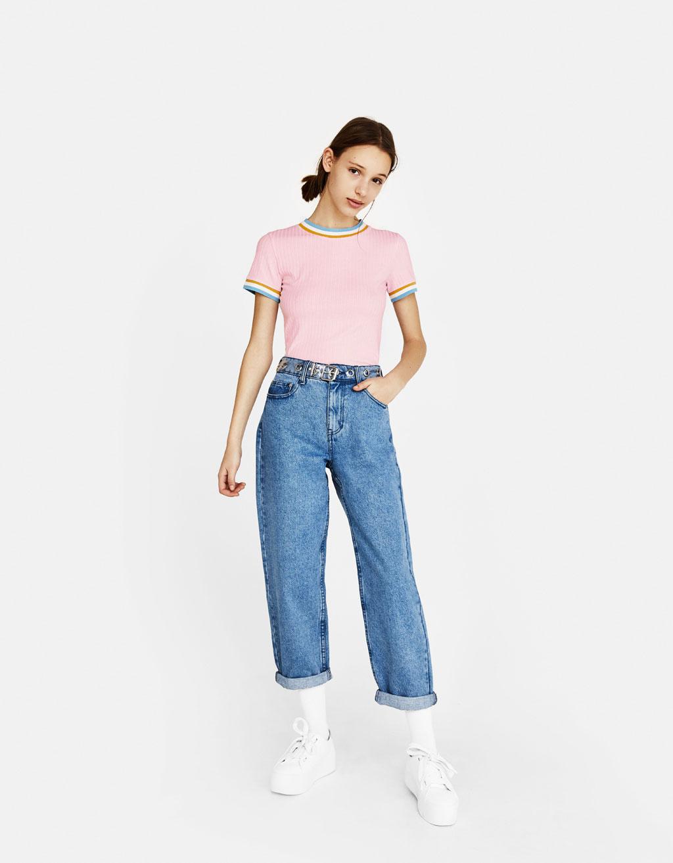Tricou cu guler în contrast