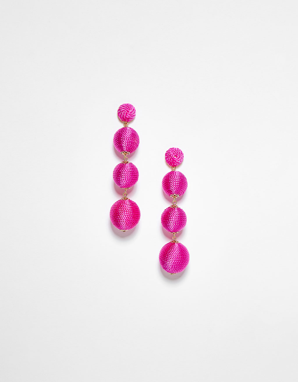 Long earrings with round beads