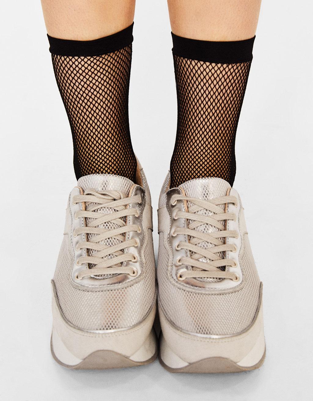 Crne mrežaste čarape