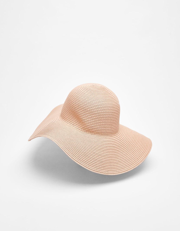 Bbredskygget hat