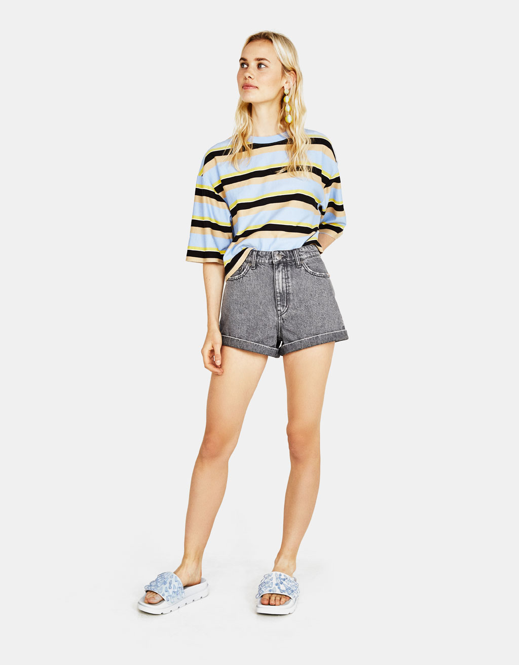 High waist denim shorts with turn-up hems