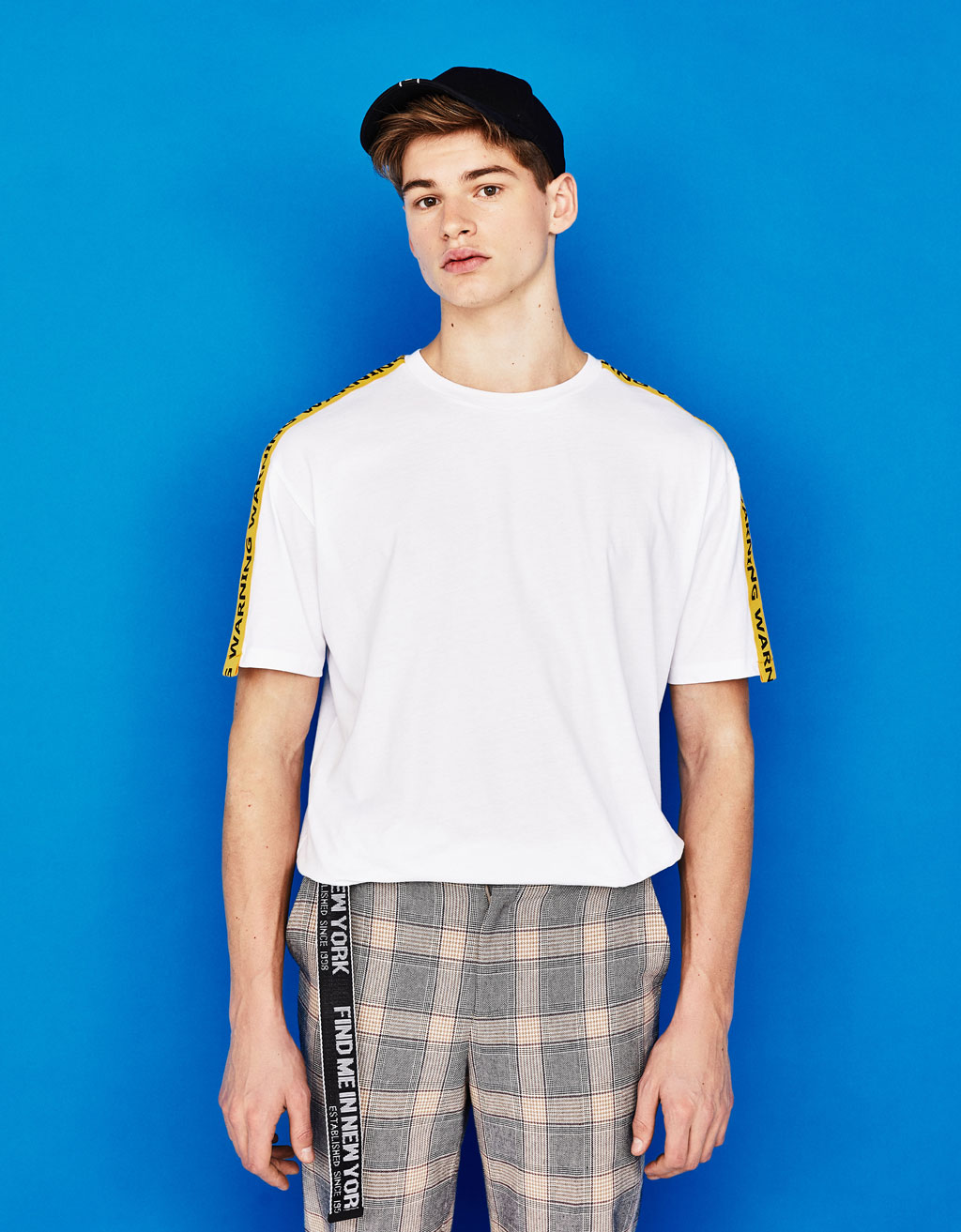 e0343c3601 Shoptagr | T Shirt With Contrasting Band by Bershka