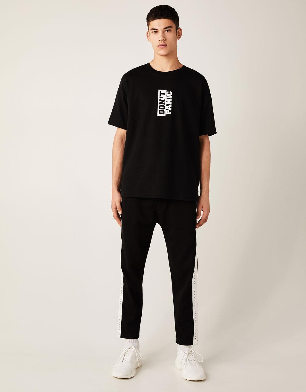 プリント地Tシャツ
