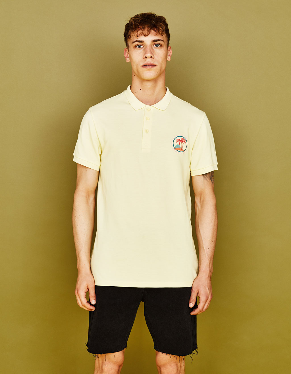 Piqué polo shirt with embroidery