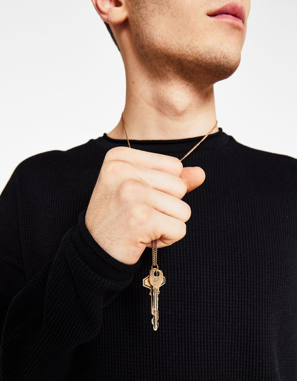 Chain pendant with key