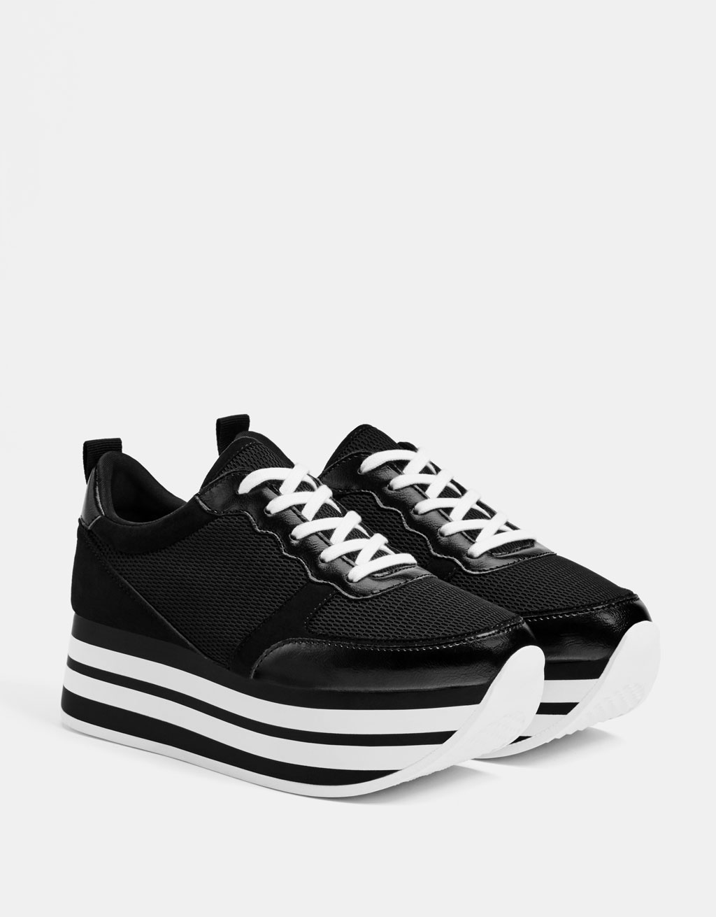 Kombinierte Plateau-Sneaker in Schwarz