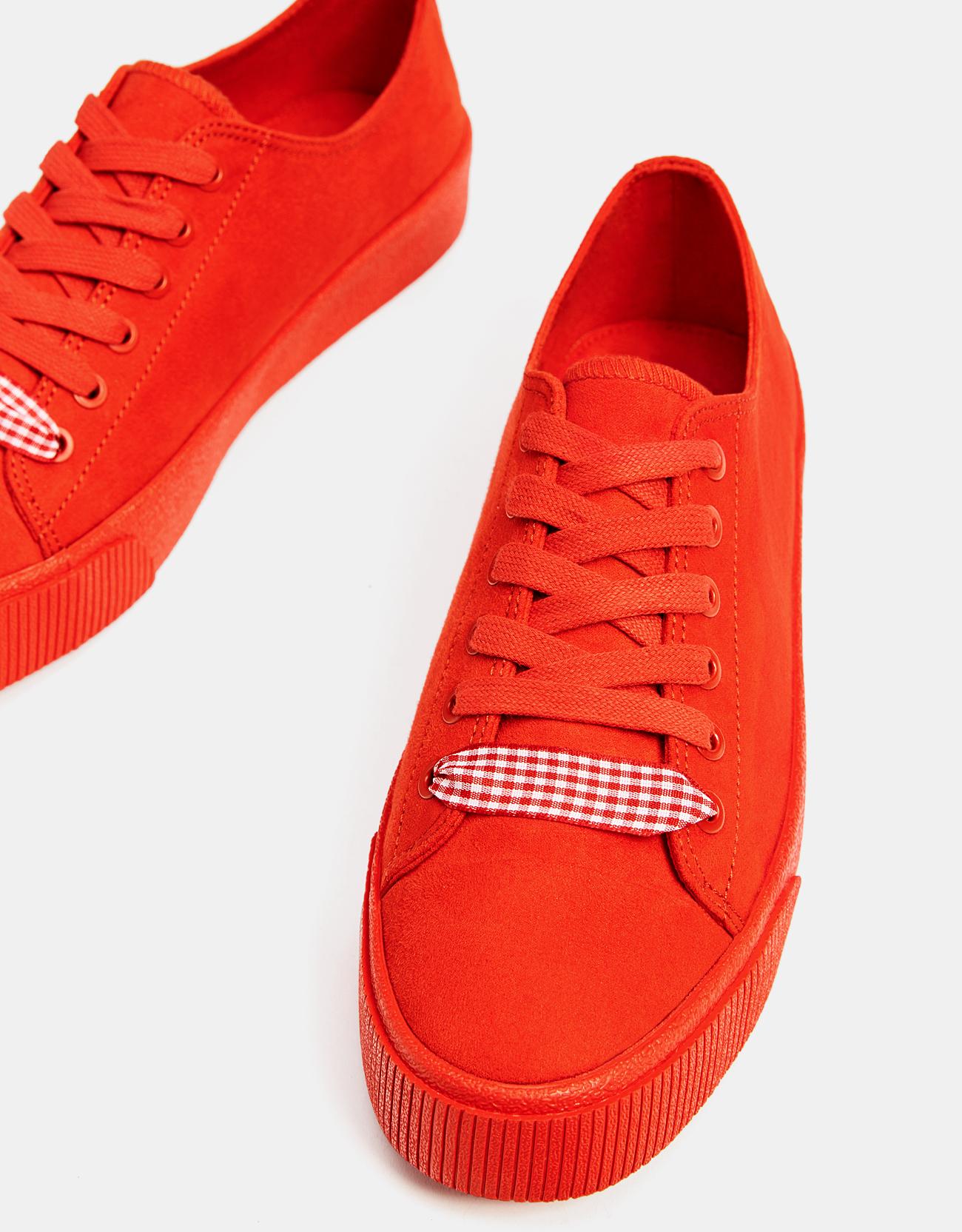 d63feb0641b Red monochrome trainers - Converse - Bershka Portugal