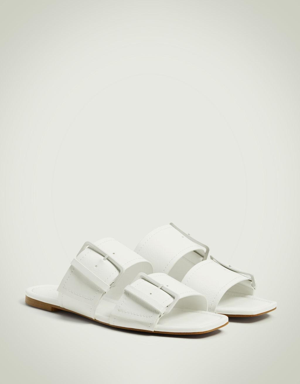 Soljelliset sandaalit