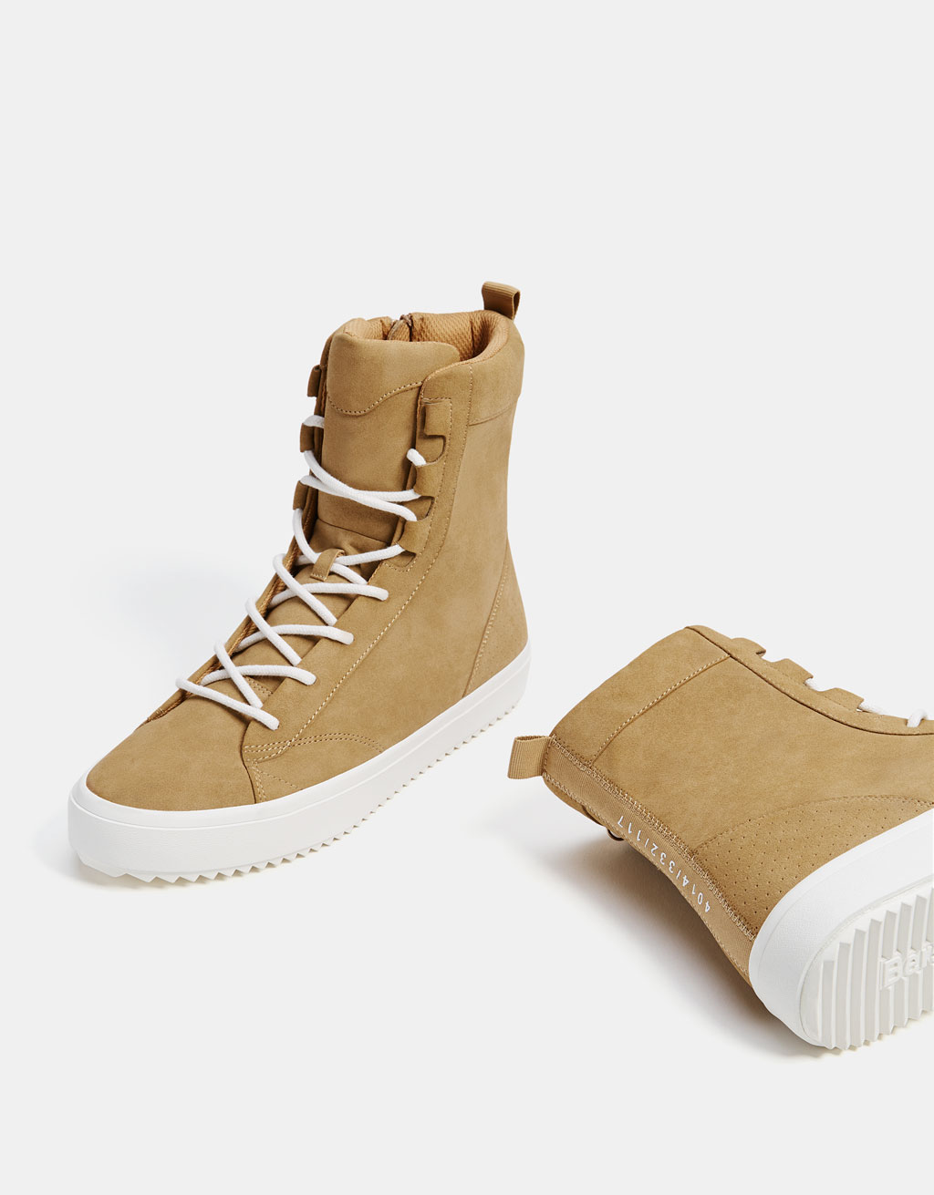 Men's monochrome high-top trainers