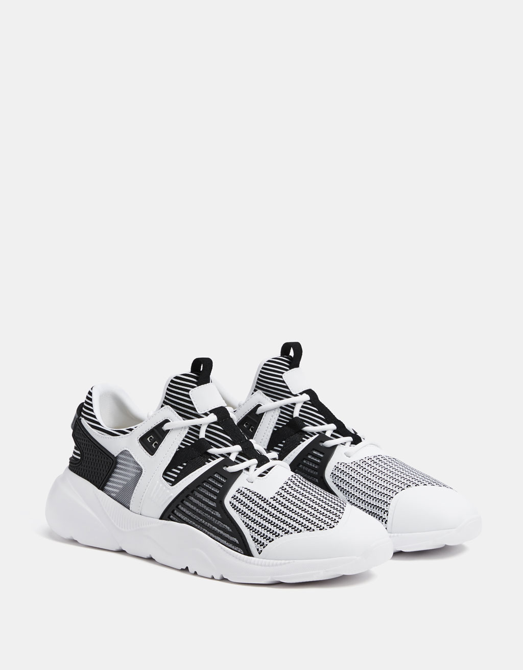 Contrasting two-tone technical sneakers