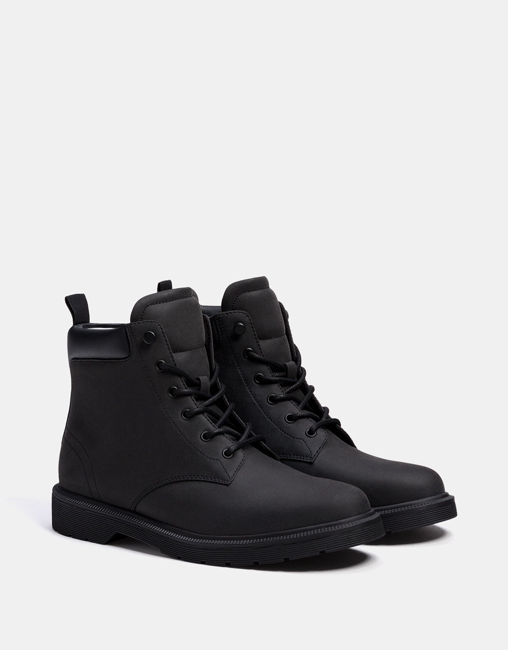 Men's lined lace-up boots