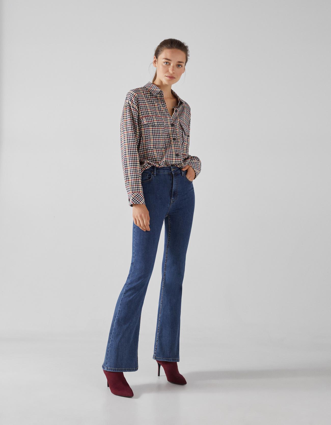 Расклешенные джинсы с высокой посадкой СИНИЙ Bershka