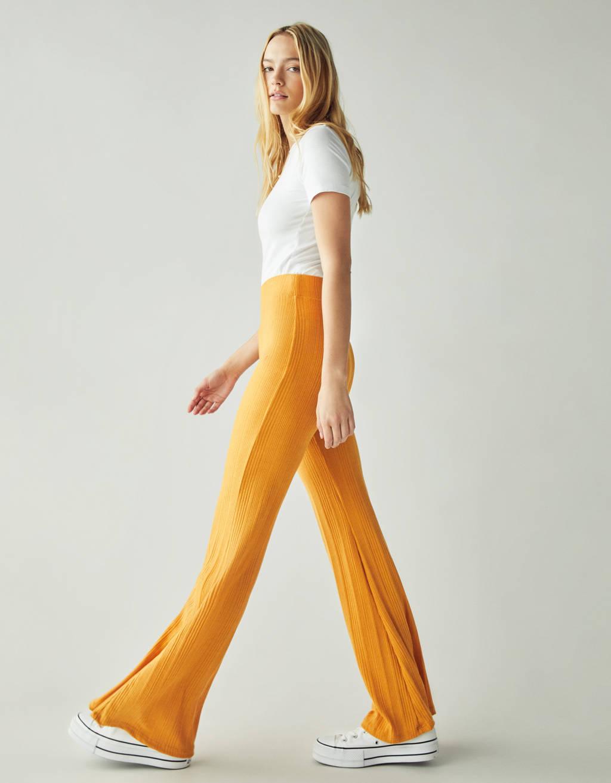 Pantalón Flare Fit de canalé