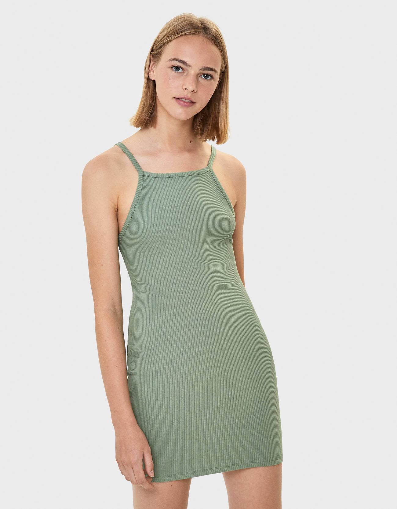 Короткое платье с вырезом халтер Хаки Bershka