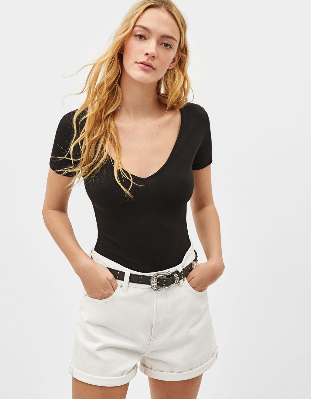 V-neck stretch T-shirt