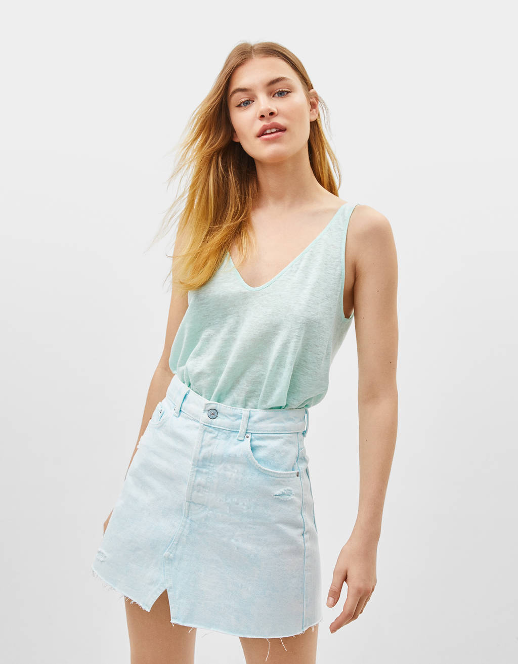Linen T-shirt with straps