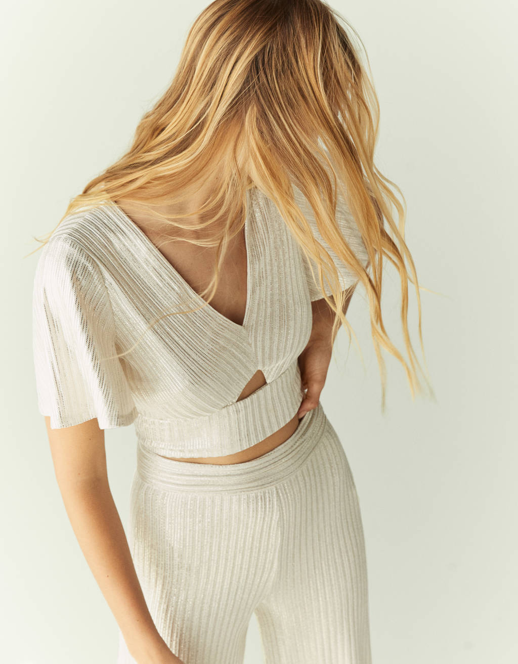 Metallic thread cut-out top