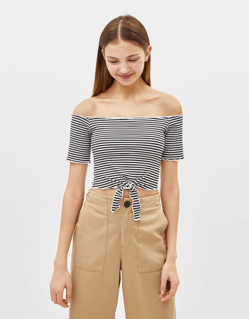 Off-shoulder croptop