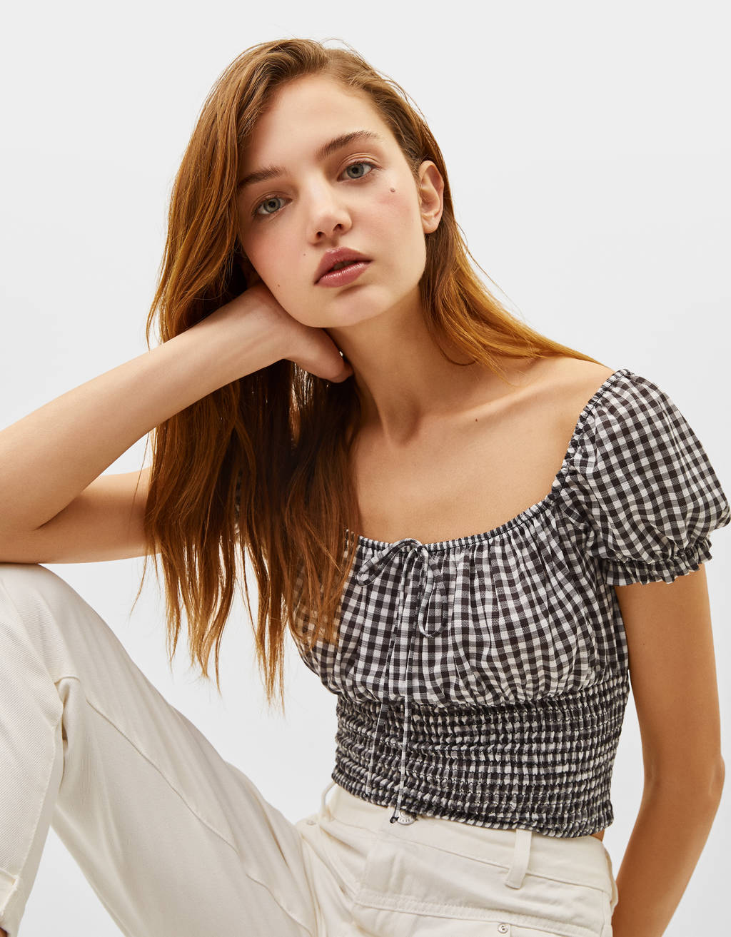 Gingham T-shirt with peasant neckline