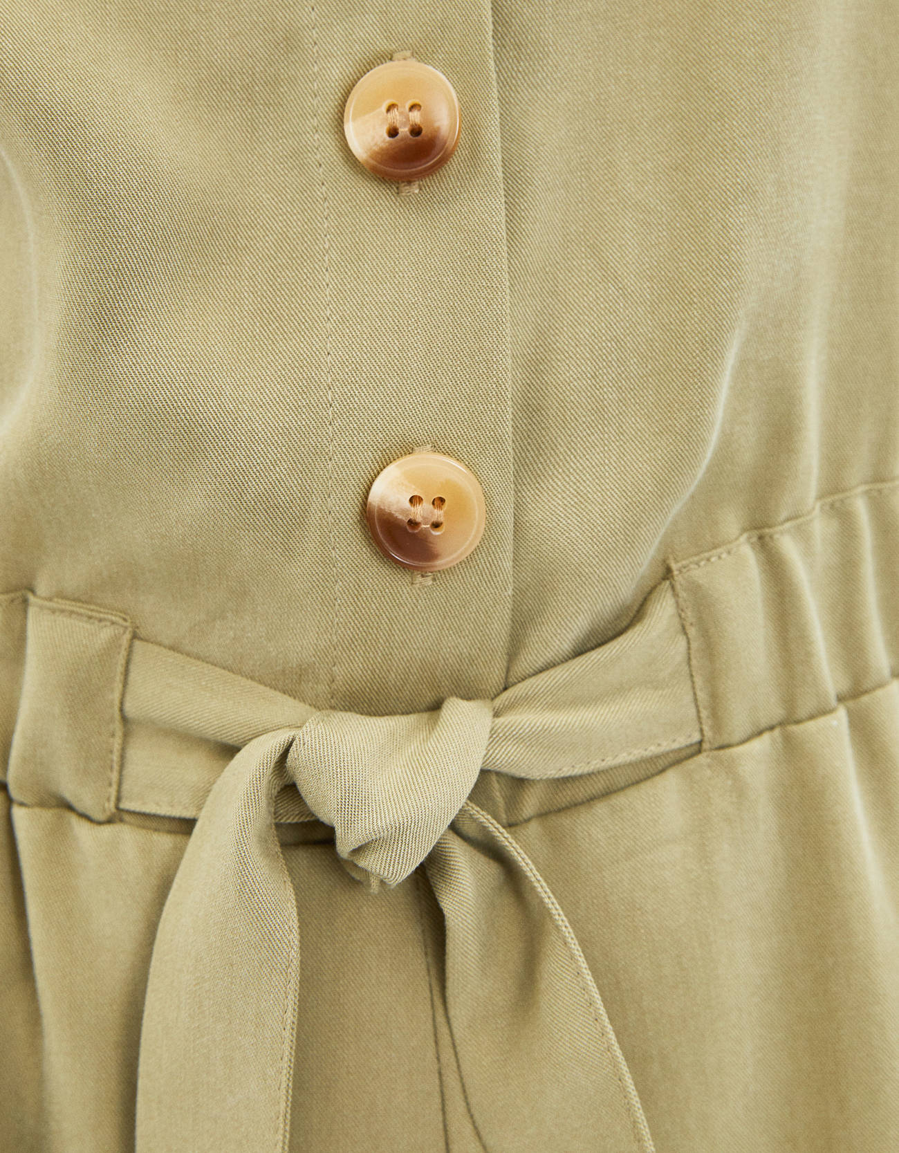 Короткий комбинезон из ткани ТЕНСЕЛ® с завязками Хаки Bershka