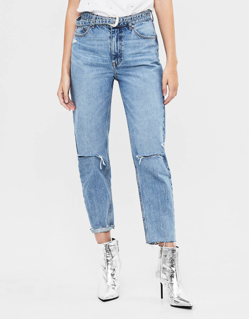 jeans-mom-fit-com-cinto by bershka