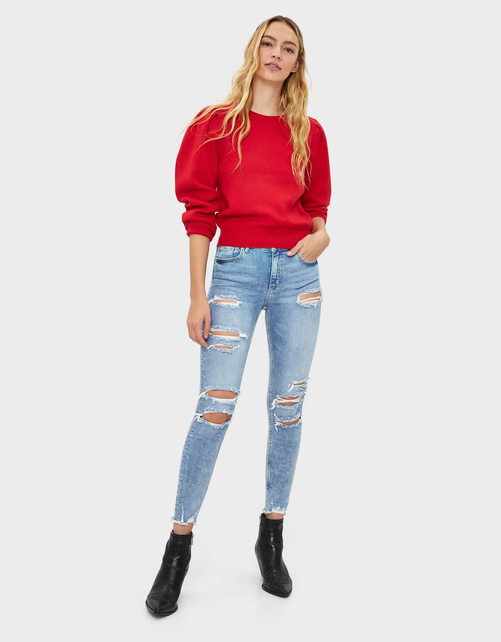 Skinny-Jeans mit tiefem Bund und Rissen