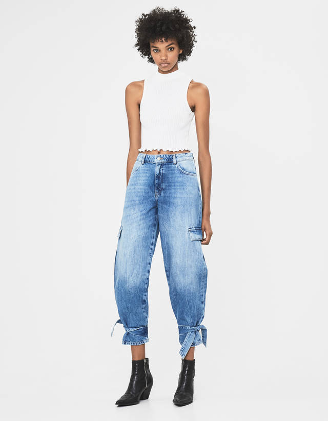 https://static.bershka.net/4/photos2/2019/I/0/1/p/5022/220/428/5022220428_1_1_4.jpg?t=1566293411803