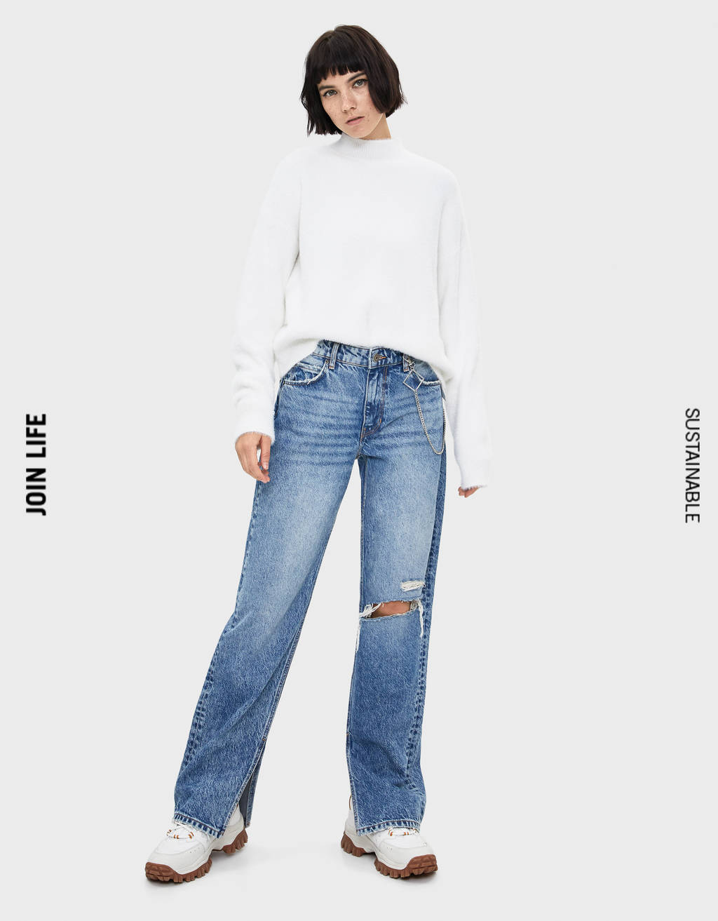 Loose fit jeans with chain