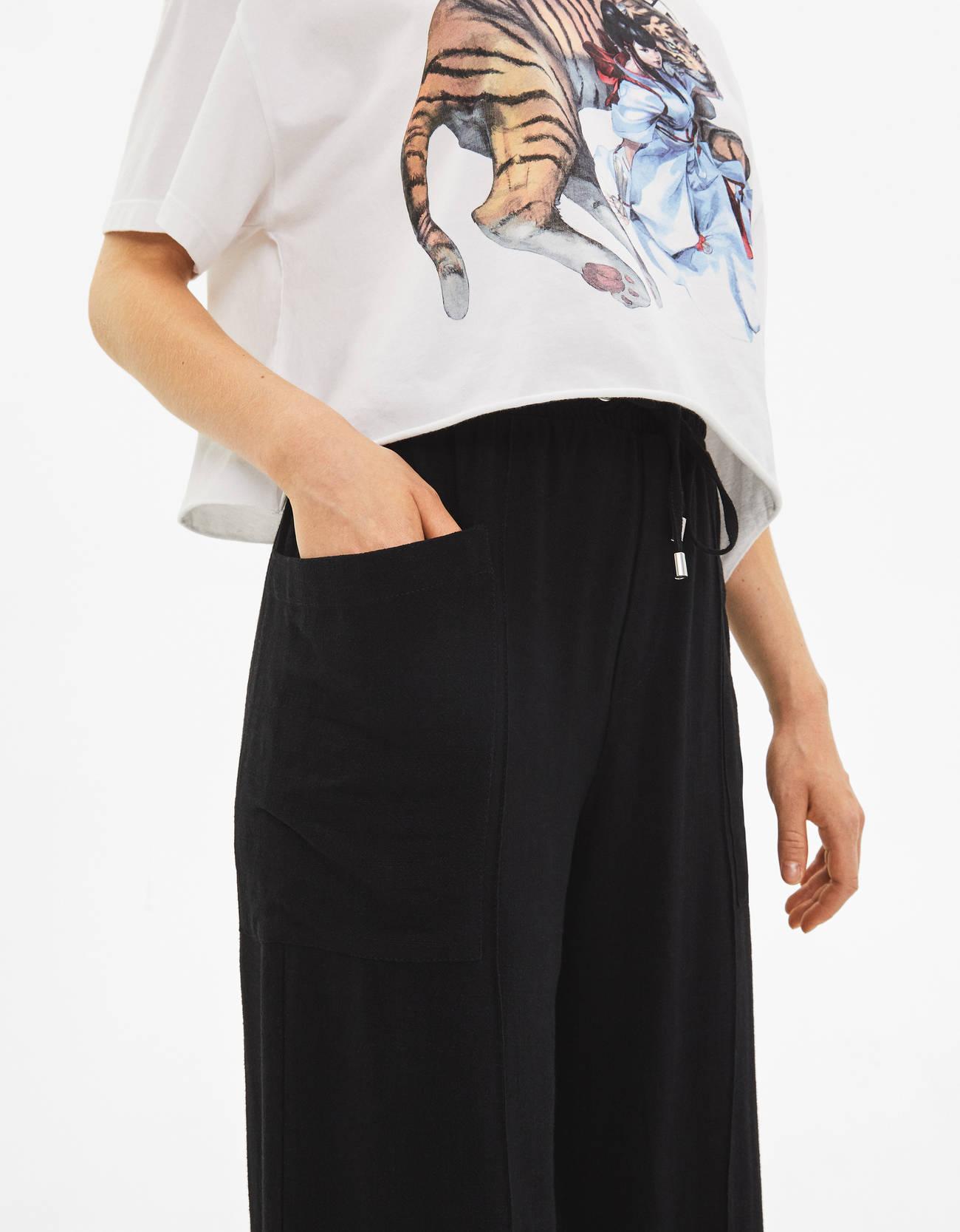 Льняные брюки с широкими штанинами ЧЕРНЫЙ Bershka