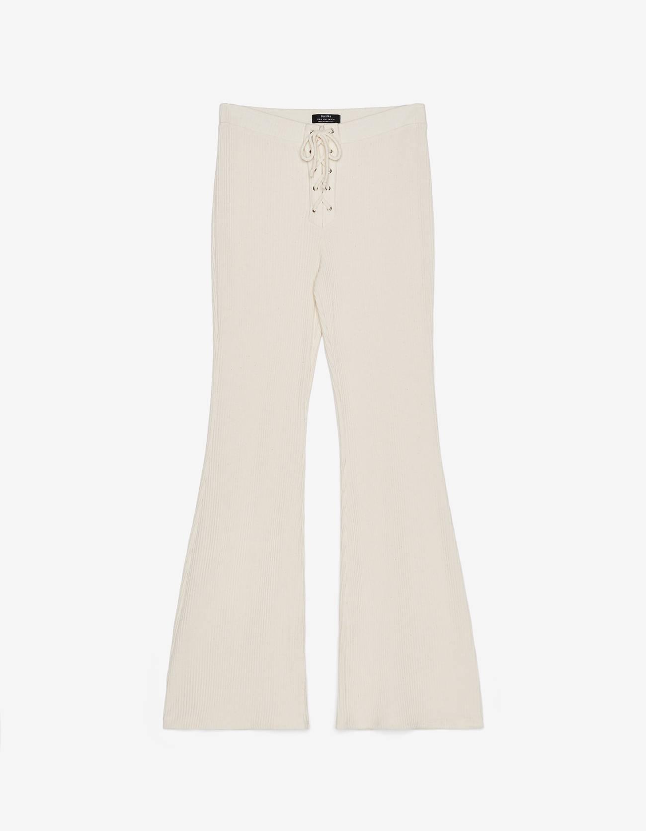 Расклешенные брюки со шнуровкой Бежевый Bershka
