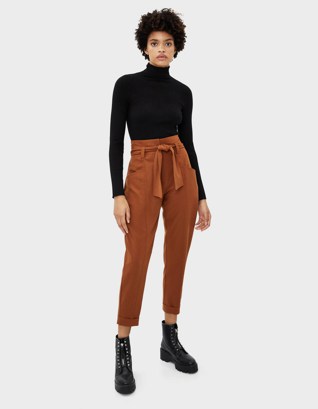 Paperbag trousers with belt