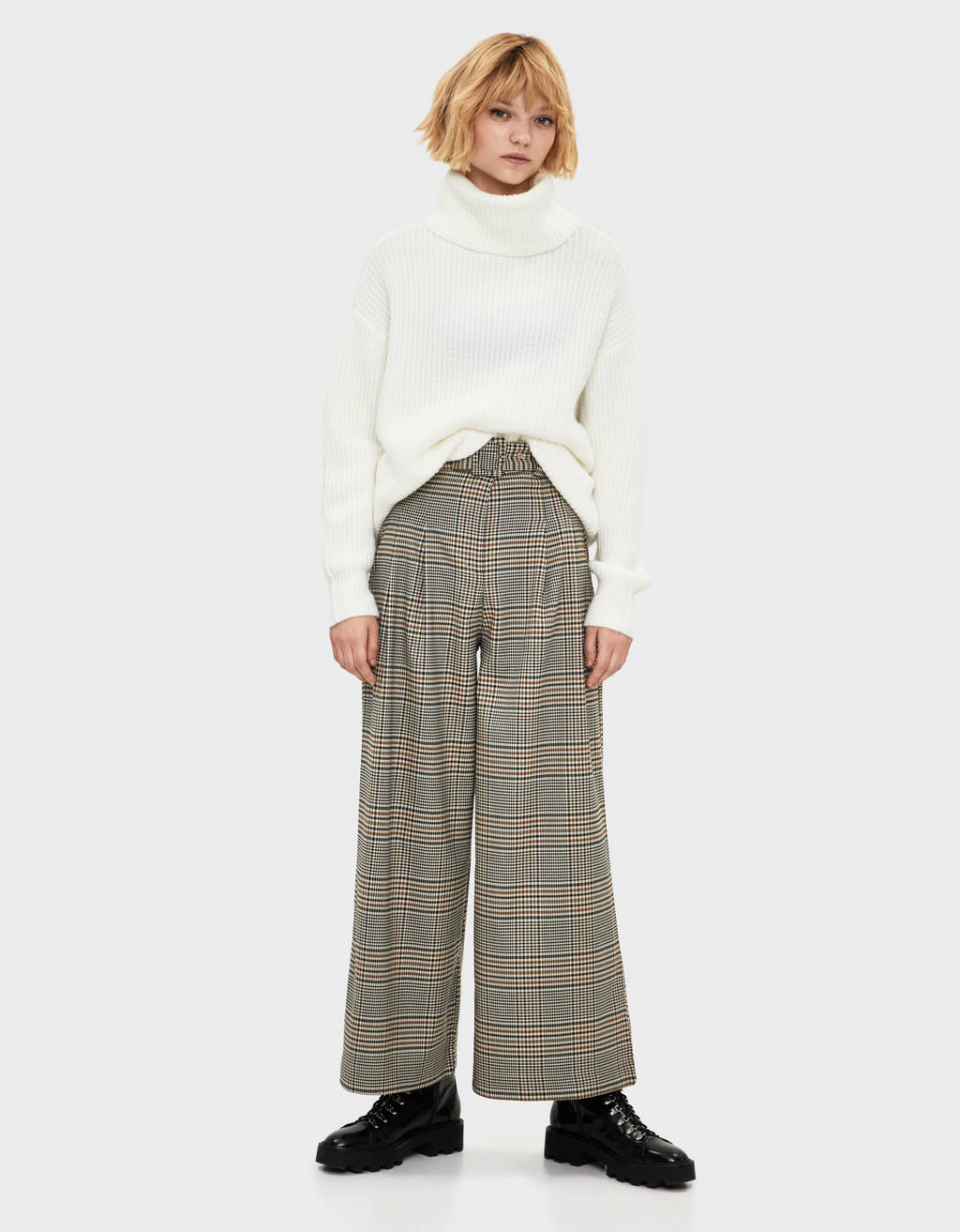Wide-leg check trousers